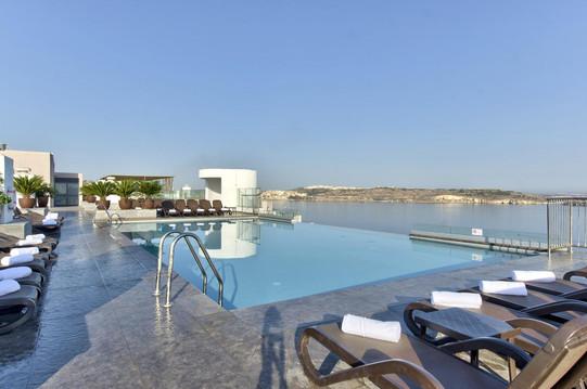 dbsanantonio_hotel_roof_deck_malta_03-mi