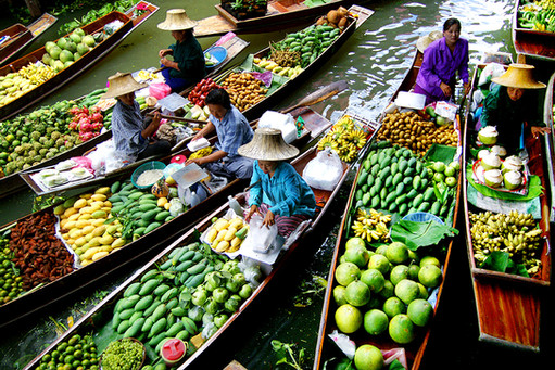 Damnoen Saduak floating-market Thailand.