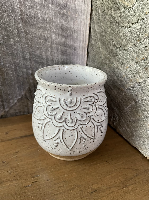No. 27 Speckled White Slip Trail Mugs