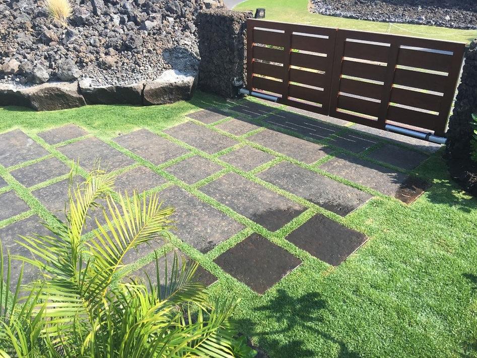 pavers grass joint 4.JPG