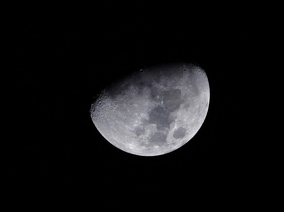 moon-3656_960_720