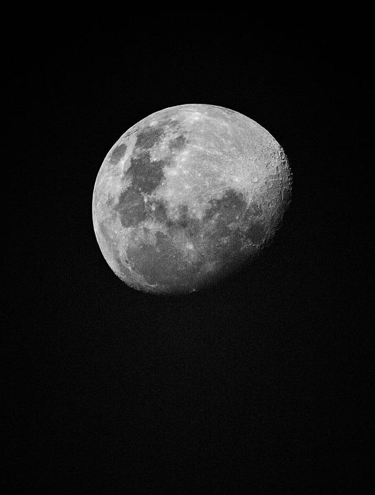 moon-1141299_960_720