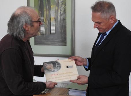 Fast 100.000 Unterschriften gegen Jagdhundeausbildung an lebenden Füchsen überreicht