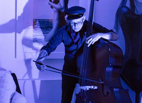 Devin Hoff performing