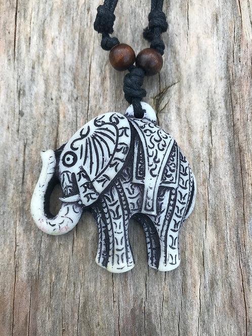 White resin detailed elephant necklace