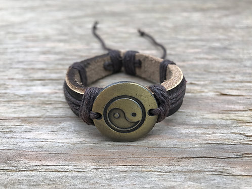 Yin and yang etched medallion leather bracelet