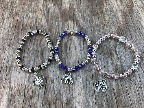 Beaded stretch charm bracelet