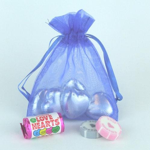 Prefilled Organza Bag med.10x13cm + 5 just married rock sweets