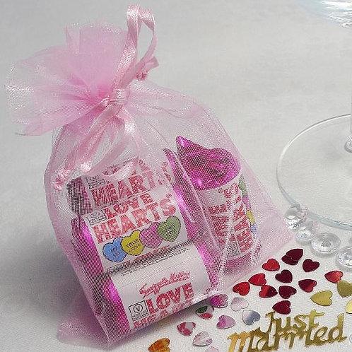 Prefilled Organza Bag med 10x13cm + 5 love heart rolls