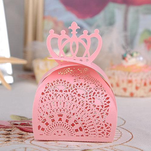 Elegant lace cut crowned favour box - pkt 10