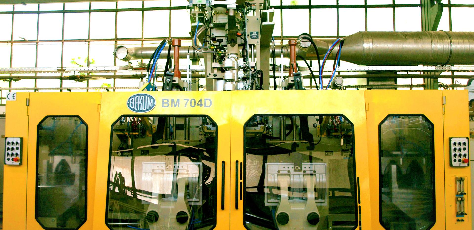 BM 704D - by UES