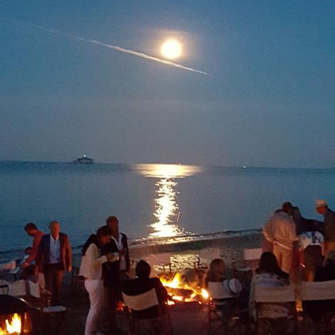 Moon rise across the bay