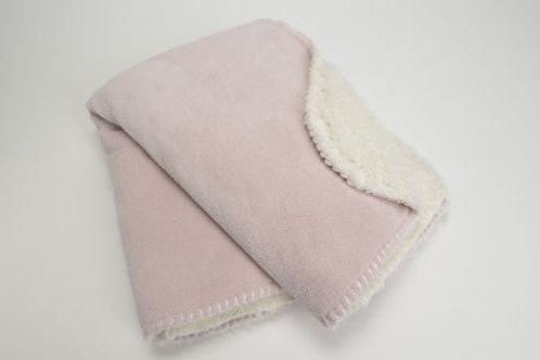 Manta rosa com pêlo tipo ovelha