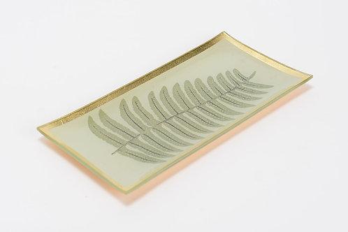 Prato dourado, com folha verde