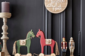 Cavalo de madeira L surtido