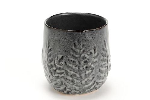 Vaso cinza com folhas M