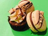 Snickers Macaron and Cupcake