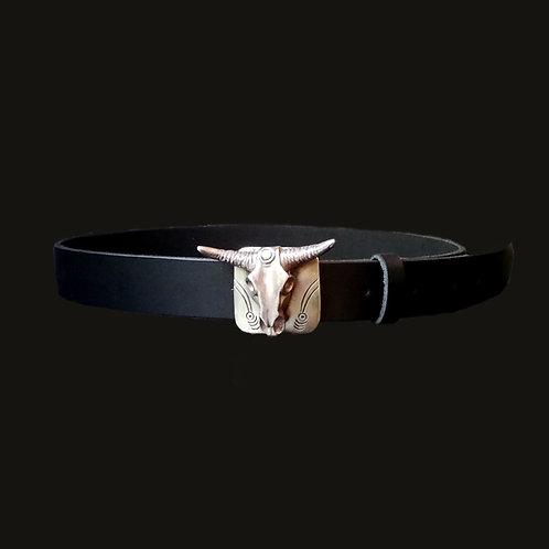 Cinturón liso  3 cms ancho hebilla toro silver S