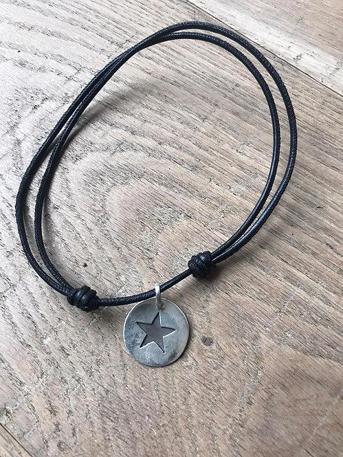 Collar Cuero Medalla Estrella Silver