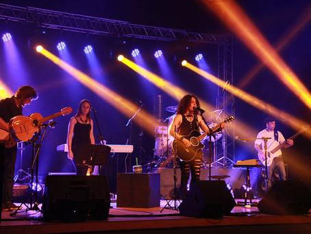 Regina Serafim faz show de lançamento do Ep Lado B