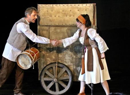 Cinco bairros de Rio do Sul receberão o espetáculo O Flautista de Hamelin, da Trip Teatro