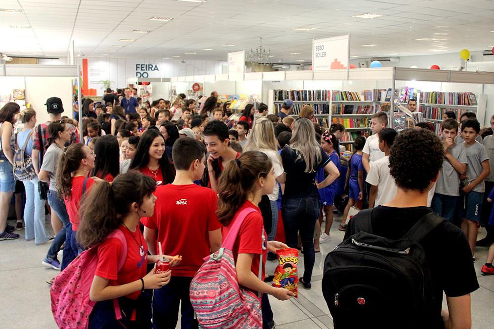 Evento contou com a presença de turmas de estudantes do Alto Vale para mais de 60 atividades culturais