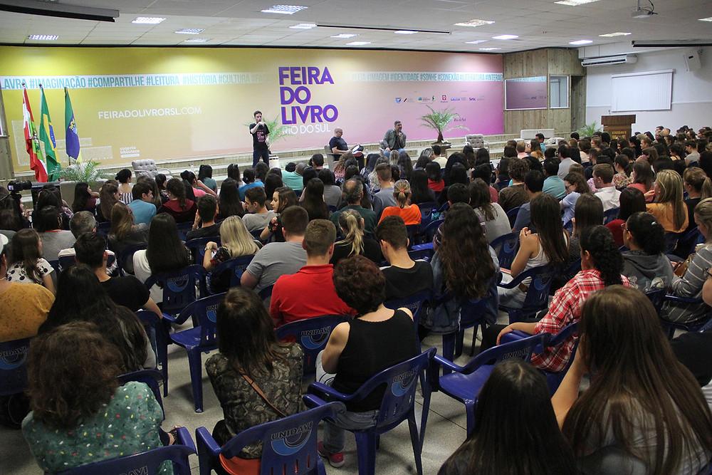 Com 60 atividades gratuitas, feira se consolida como o maior evento cultural do Alto Vale | Foto: Tiago Amado