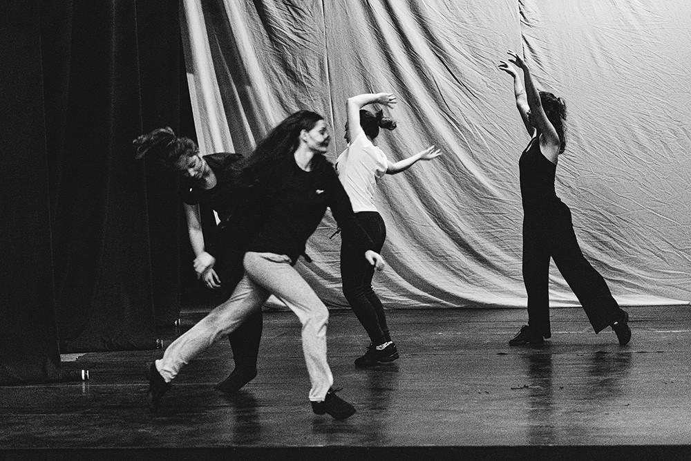 Performance é resultado de projeto do Prêmio Nodgi Pellizzetti tem ensaio aberto dia 19 e estreia dias 25 e 26 de outubro