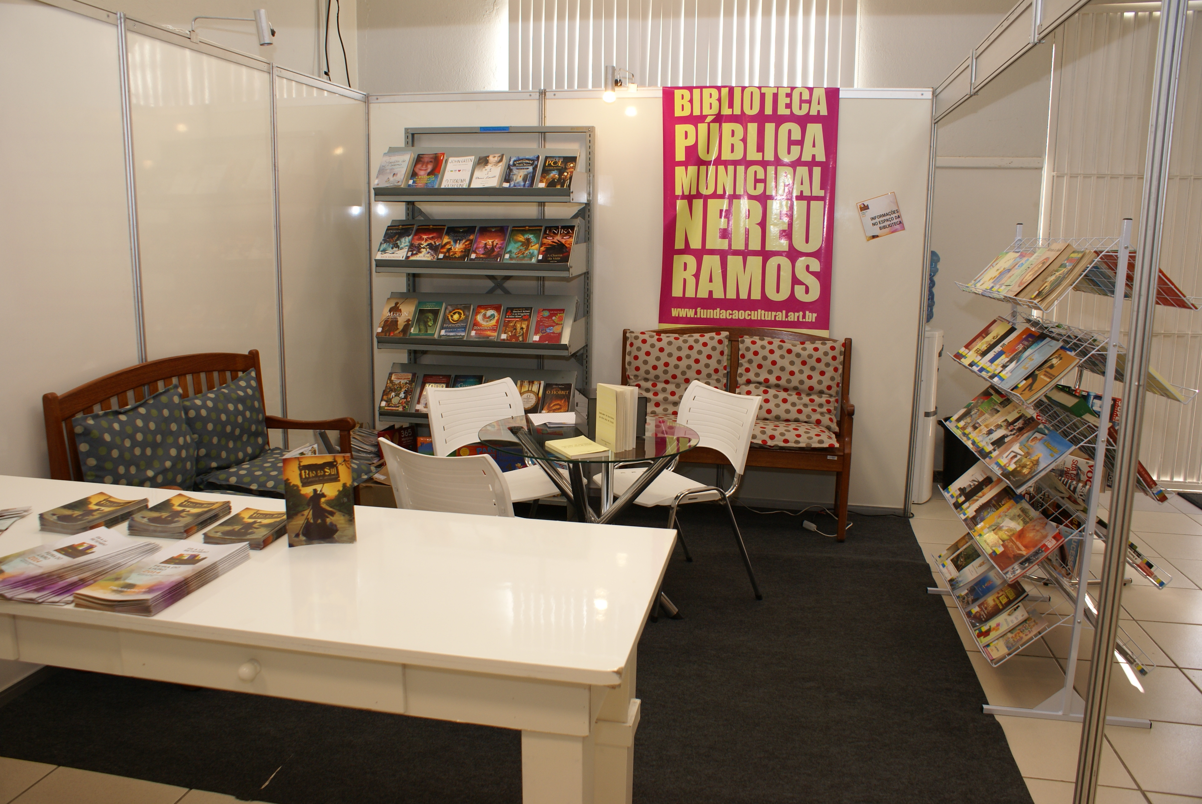 Estande Biblioteca Nereu Ramos