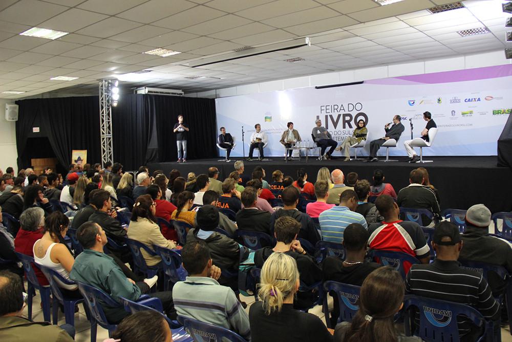 Sete escritores do Alto Vale participarão do evento, realizado de 13 a 18 de setembro