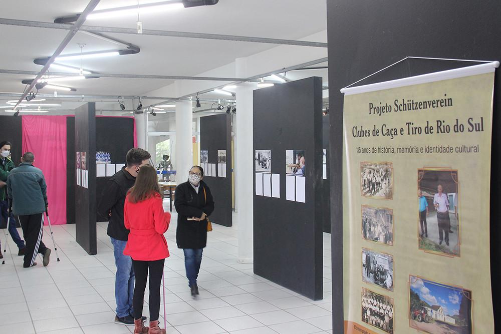 Mostra de projeto do Prêmio Nodgi Pellizzetti está aberta na Fundação Cultural com transcrição em braile