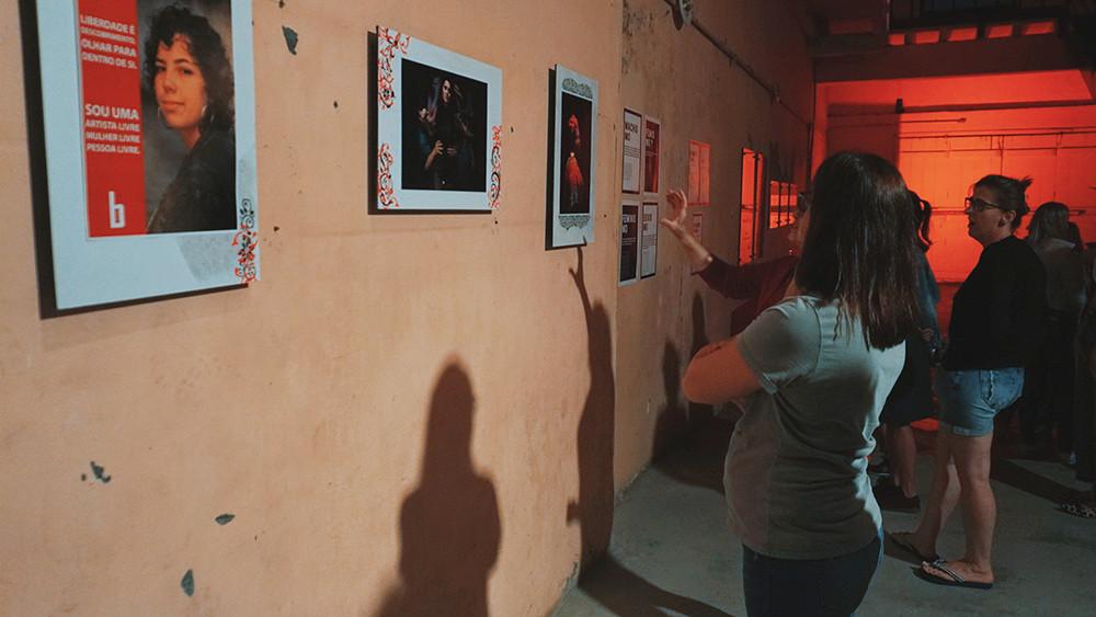 Mostra propõe reflexão sobre formas de violência sofridas por mulheres
