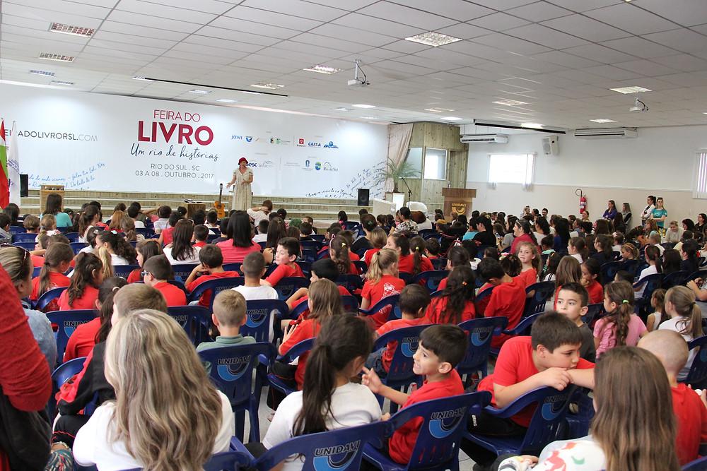 Cerca de 3 mil visitantes passaram pela Feira do Livro de Rio do Sul até quarta-feira, dia 4