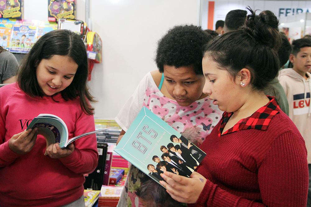 Programação gratuita e comércio de livros seguem até sábado, Dia da Criança
