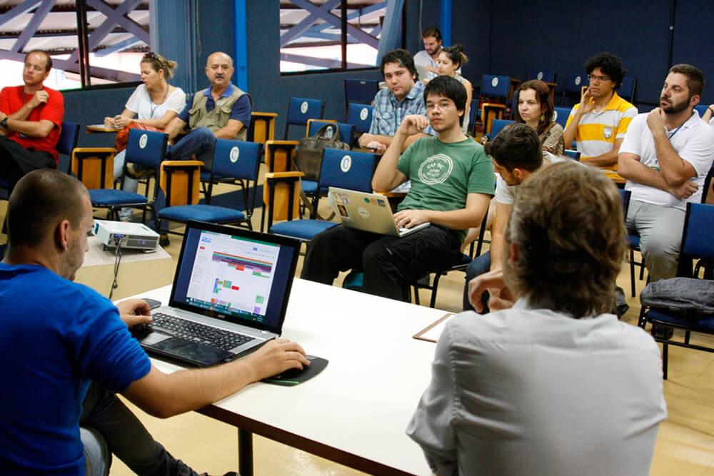 Membros do CMPC planejam estratégias de trabalho do órgão | Foto: Tiago Amado