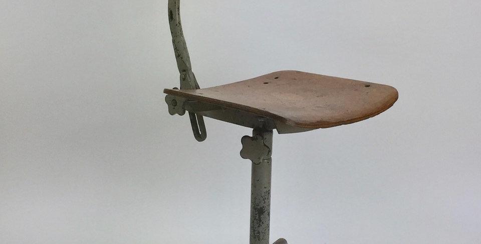 1950s Vintage Gispen Industrial Workshop Chair - lead view