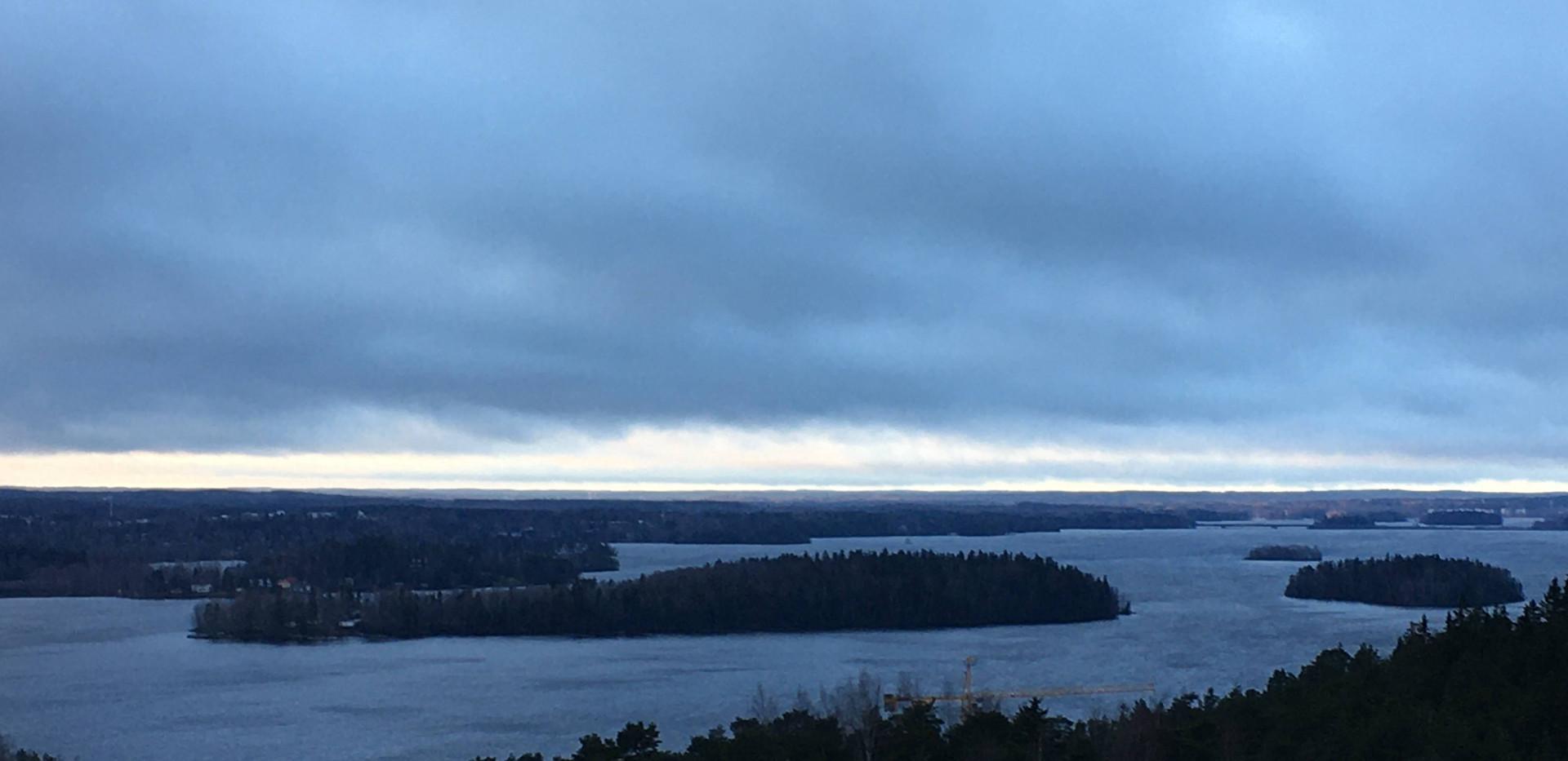 View from the Pynnikki Ridge