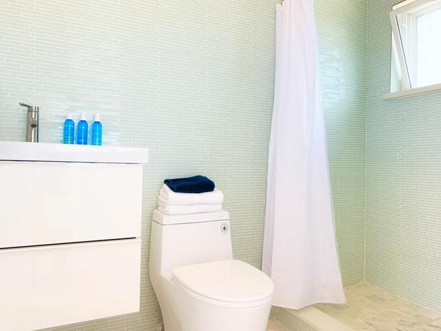 Casita Bathroom.JPG