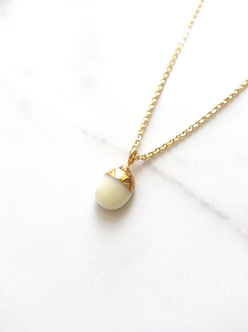 PILLOLA Necklace - White