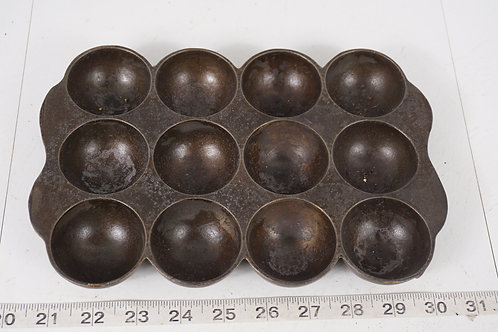 Cast Iron Muffin Pan No 1328 - Wagner Ware