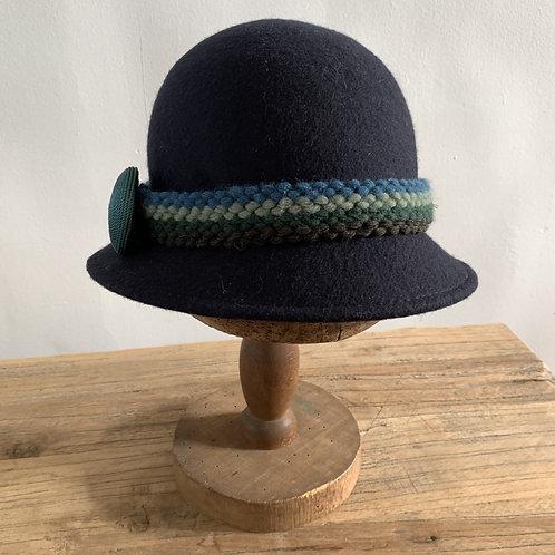 cloche hoed blauw