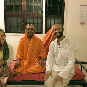Papel do professor de Yoga - Oriente vs Ocidente
