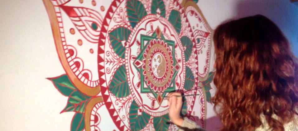 Mandala na parede 11.jpg