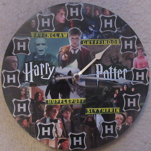 Harry Potter - Wall Clock - Harry, Ron, Voldemort and more..