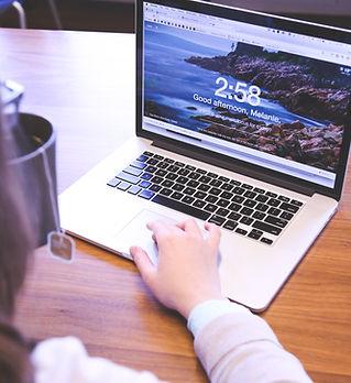 ordinateur portable ouvert
