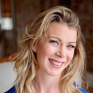 Kristin van der Poel, Venture Into Connecton