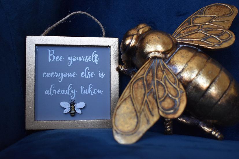 Mini Bee Plaques
