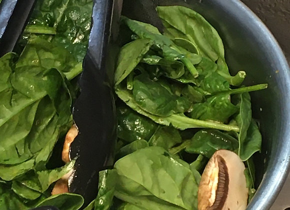Spinach salad with balsamic vinegar dressing