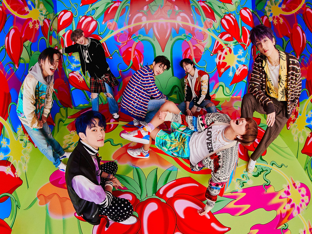 Grupo de k-pop NCT DREAM em foto para o seu álbum Hot Sauce.