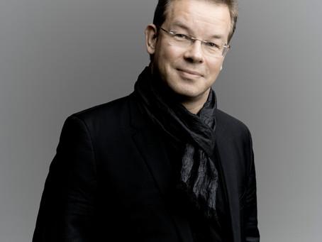 SINFONIA 2018 mit dem Dirigenten ANTONY HERMUS
